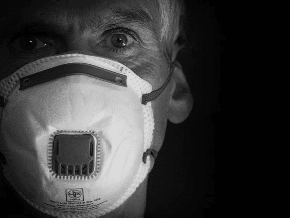 man with coronavirus mask